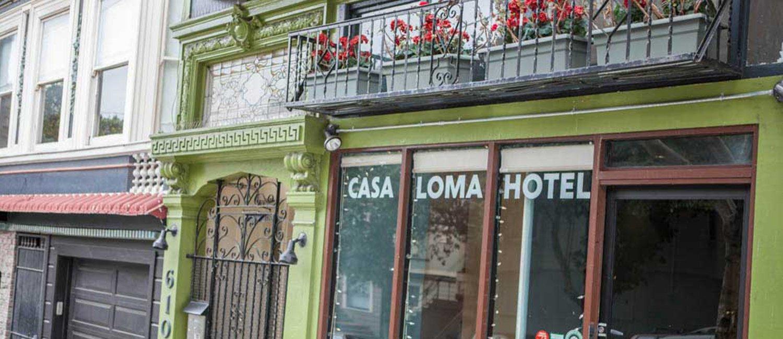 Casa Loma Hotel Exterior