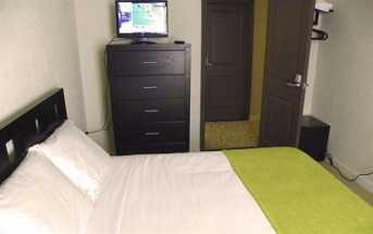 Casa Loma Hotel - Guestroom